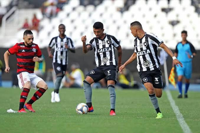 14246f7a54a92 Flamengo sai atrás em todos os jogos e liga alerta
