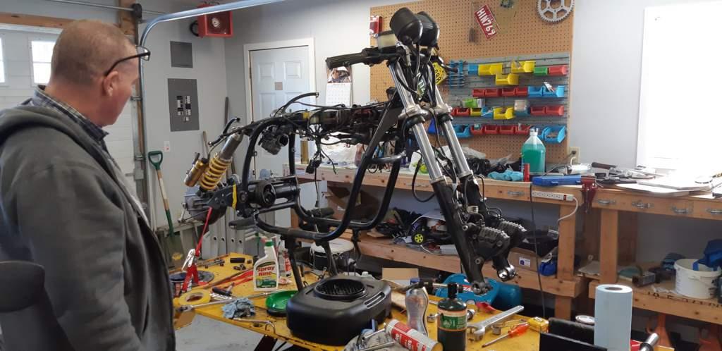 BMW cafe racer build   Motorcycle Amino Amino