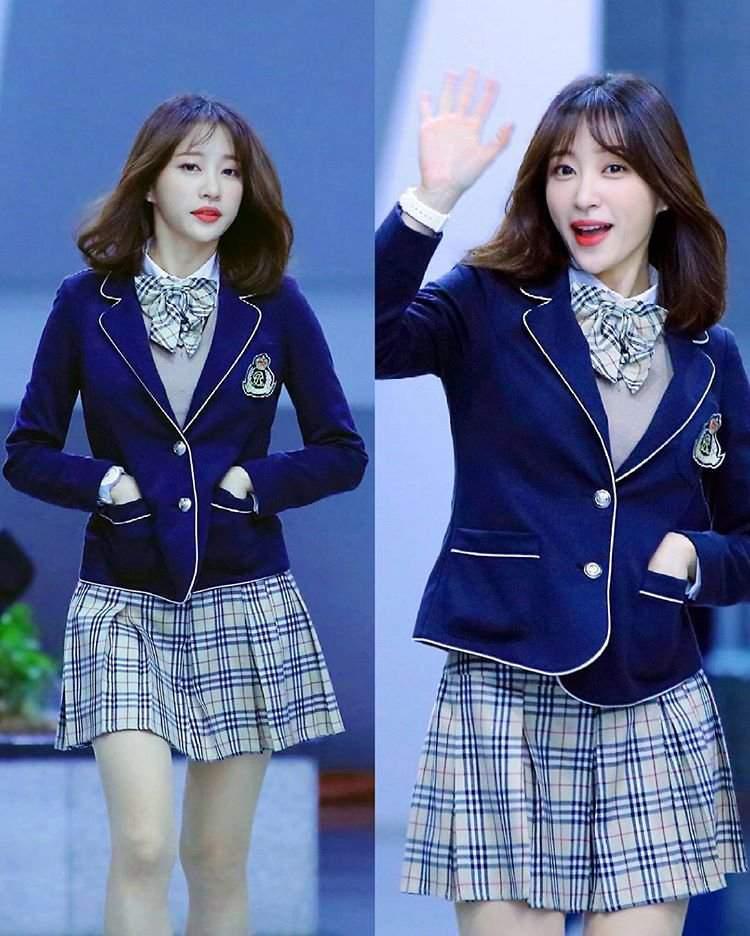 Hani in High School Uniform      EXID Amino Amino