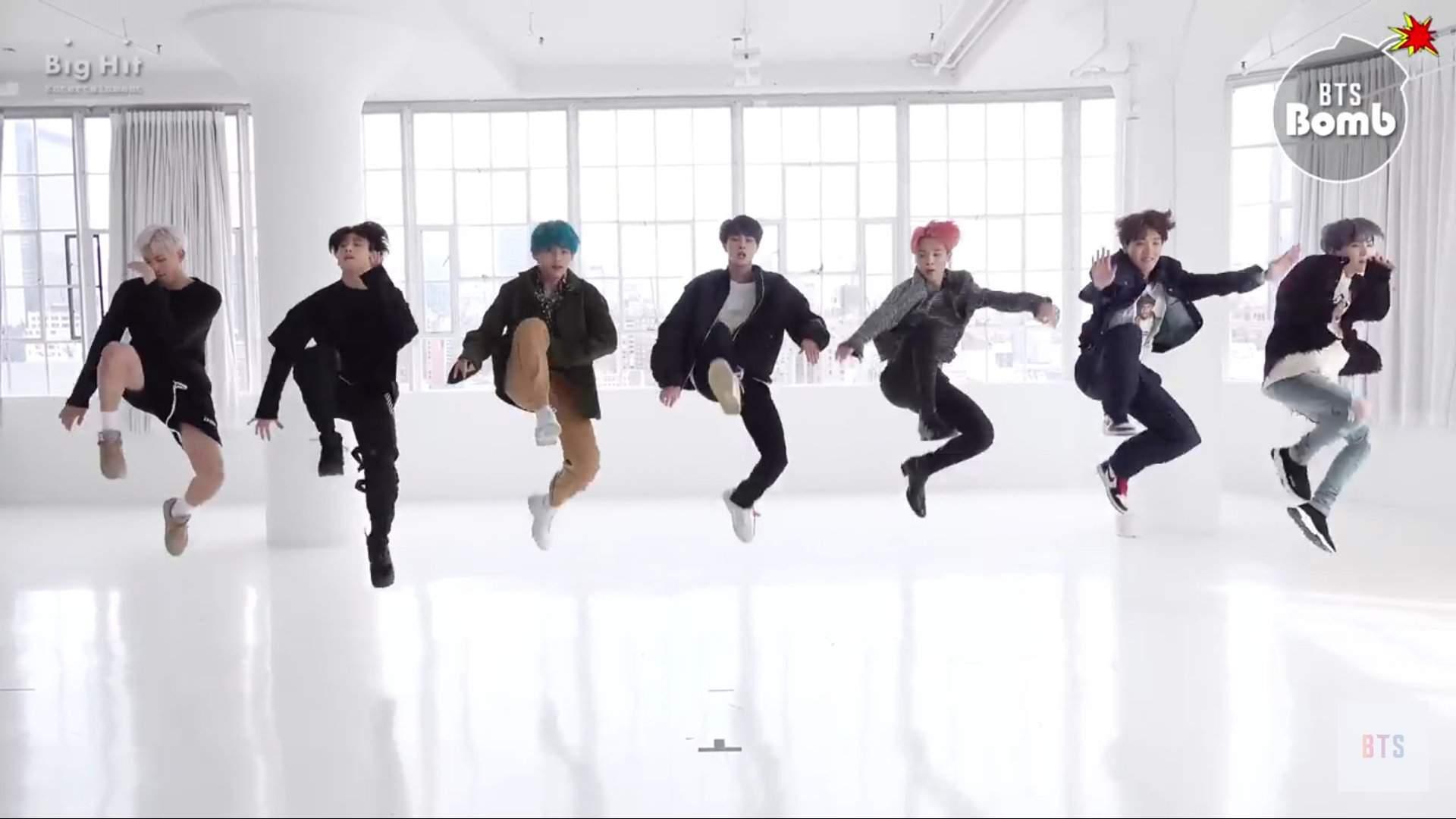 BANGTAN BOMB] '작은 것들을 위한 시 (Boy With Luv)' Dance Practice (Eye contact  ver.) - BTS (방탄소년단)   BTS Amino