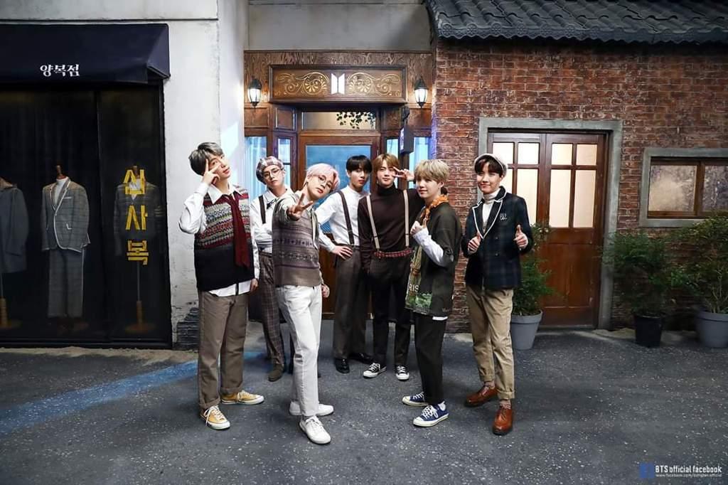 2019 BTS Festa: BTS Photo Collection 18/19 & ANPANMAN Music Video