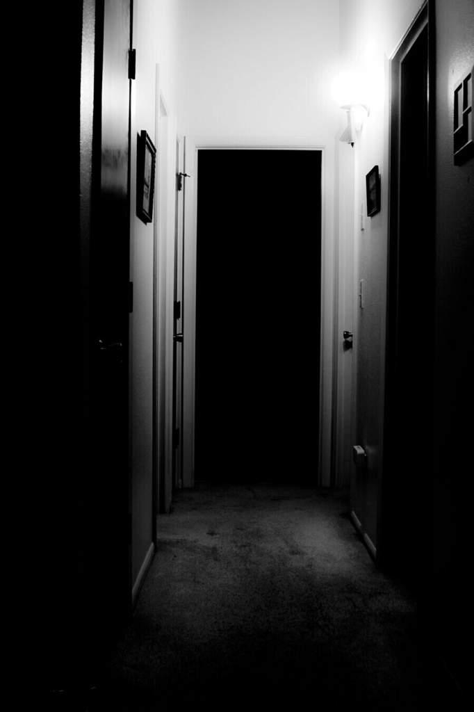Картинки коридор и дверь закрой