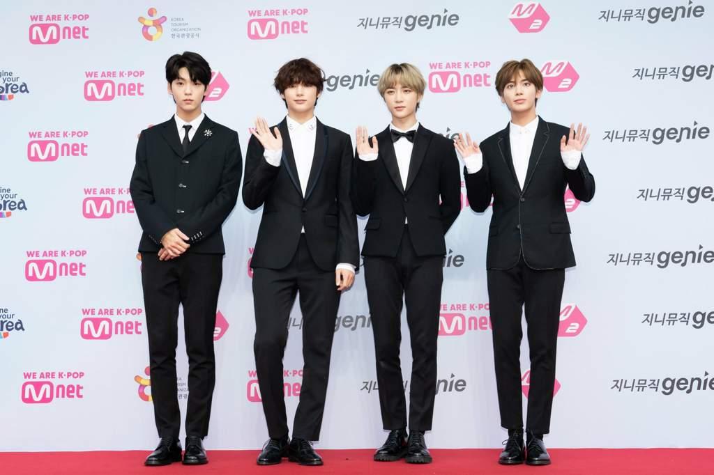 K Pop Idols At The Red Carpet At 2019 M2 X Genie Music Awards K